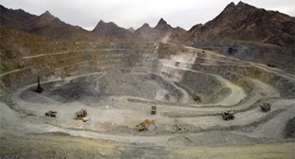 آمریکایی ها بدنبال غارت منابع معدنی افغانستان