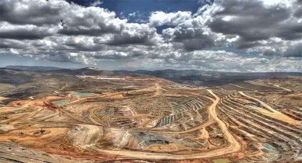 معدن سرب و روی مهریز به تحول منطقه کمک کند
