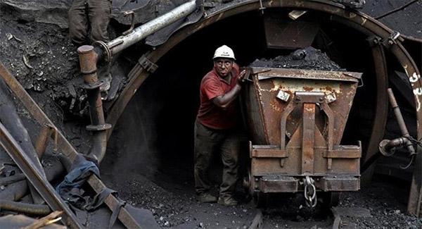 درخواست کارگران قدیمی معدن زغالسنگ سنگرود برای احیای این واحد معدنی
