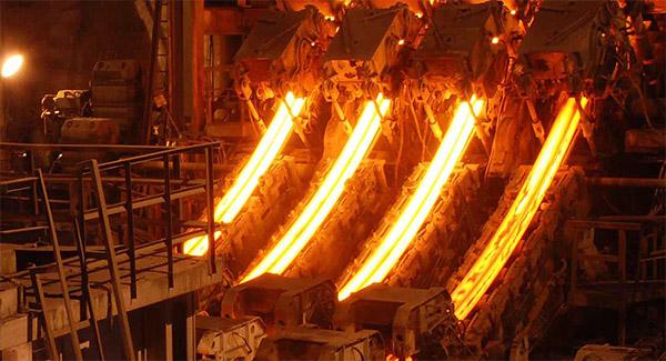 افزایش ۵/ ۴ درصدی تولید فولاد خام ایران