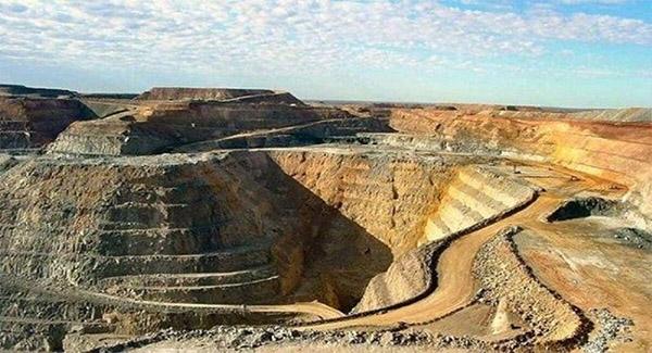 زیرساختهای ۳۰ معدن ایران تا پایان امسال تکمیل میشود
