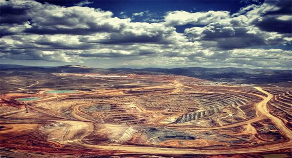 یکی از بزرگترین دغدغههای معدنکاران جنوب کشور نبود پایانه صادراتی جامع مواد معدنی است