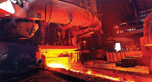 اختلاف قیمت سنگ آهن با محصولات فولادی نشان از توزیع میلیاردها تومان رانت در این بخش دارد
