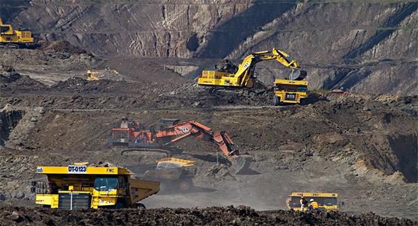 اجرای ۱۰ طرح زیربنایی معدنی