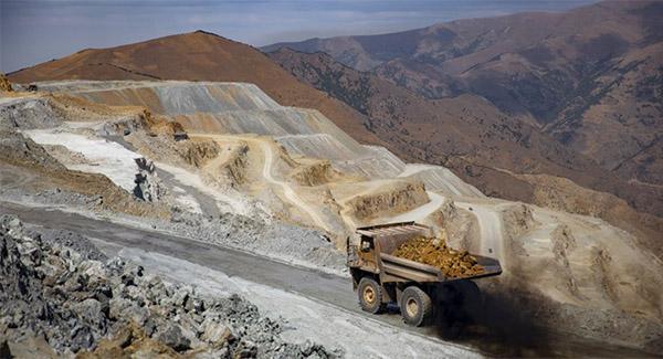 ایمیدرو برای توسعه معادن آذربایجانغربی سرمایهگذاری میکند