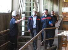 سرپرست فولاد اکسین از چرثقیلهای سقفی شرکت بازدید کرد