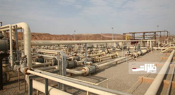 ساخت نوارپیچ خطوط لوله نفت در منطقه پارسیان